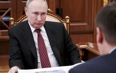 Putin zarzuca Ukrainie prowokowanie starć w Donbasie
