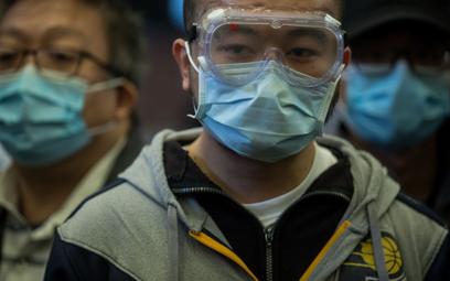 Plaga fake newsów o koronawirusie. Znany bloger ukarany