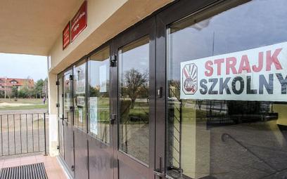 Sondaż: Nauczyciele planują duży strajk. Co sądzą o tym Polacy?