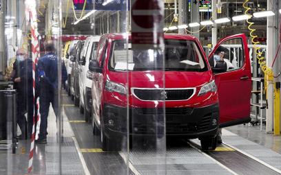 Francuski koncern motoryzacyjny chce ściągnąć pracowników z Polski