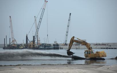 Saipem, włoska firma stojąca na czele konsorcjum budującego terminal LNG w Świnoujściu, zażądała pod