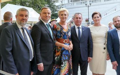 Minister rolnictwa (pierwszy z lewej) wystąpił podczas Dożynek Prezydenckich