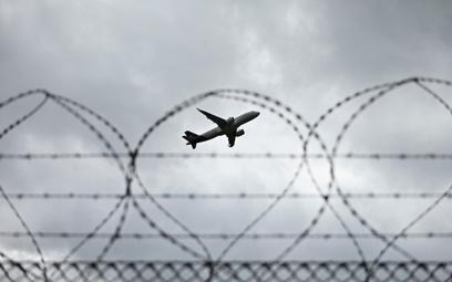 Zakaz lotów międzynarodowych nadal w mocy