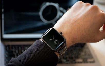 Nowy Apple Watch? Nie, to zegarek-żart, który stał się hitem