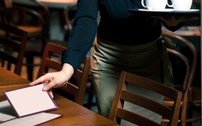 Sąd Apelacyjny: napiwki to nie zasadnicza część dochodów kelnerki