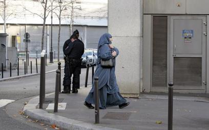 Francja/ Trzy kobiety skazane za zakrywanie twarzy