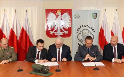 Podpisanie umowy pomiędzy Inspektoratem Uzbrojenia i firmą Jelcz na dostawę nośników elementów rakie