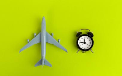 To przewoźnik określa godziny lotu