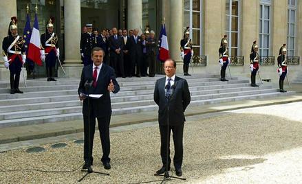 Premier Grecji Antonis Samaras i prezydent Francji Francois Hollande