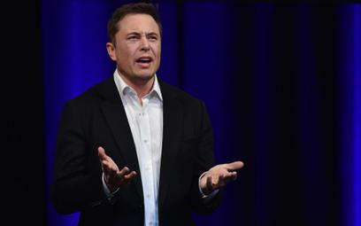 Jak Elon Musk prowadził wojnę z SEC i przegrał