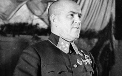 Marszałek Żukow, gdy po wojnie popadł w niełaskę u Stalina, w gruncie rzeczy do odeskiego okręgu woj
