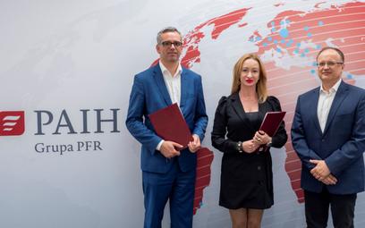 W podpisaniu porozumienia udział wzięli Patrycja Sass-Staniszewska, prezes Izby Gospodarki Elektroni