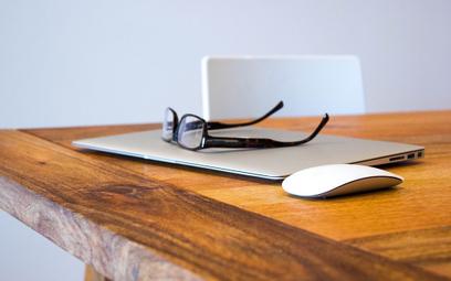 Okulary ochronne do komputera pozwalają zabezpieczyć Twój wzrok!