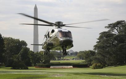 VH-92A podczas próbnych lądowań i startów z tzw. południowego trawnika przed Białym Domem, które odb