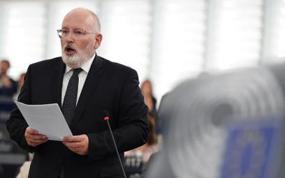 Procedurę zainicjował wiceszef KE Frans Timmermans