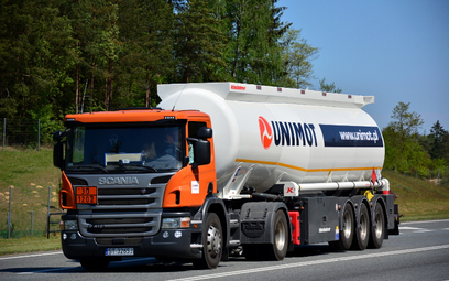 Unimot sprzedaje więcej paliw