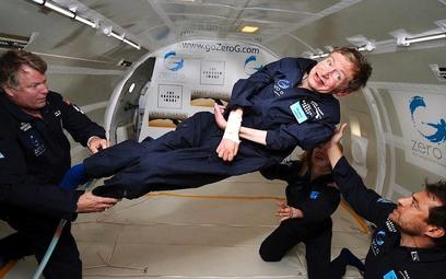 Prof. Hawking, choć sparaliżowany, wyrwał się z objęć grawitacji na pokładzie specjalnego samolotu.