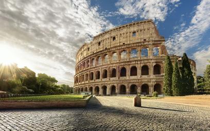 Polak uruchomił nad Koloseum drona. Spadł na zabytkowe schody