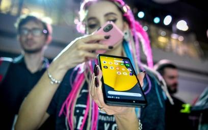 Rosjanie wypuszczają na rynek własnego smartfona