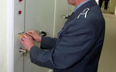 Kamera podejrzy kącik sanitarny w celi