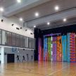 Sportstacja w trójmiejskiej Alchemii – oprócz ścianki wspinaczkowej jest też duża sala gimnastyczna