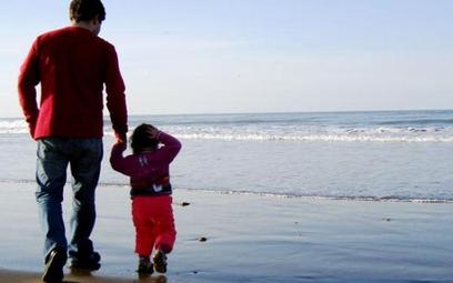 Więcej czasu dla ojca na skorzystanie z urlopu