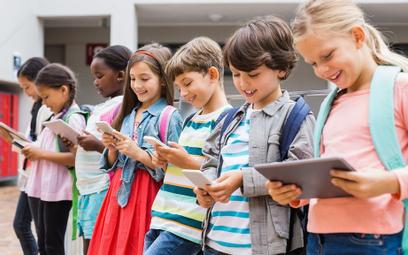 Francja: Dzieci w szkołach już bez smartfonów