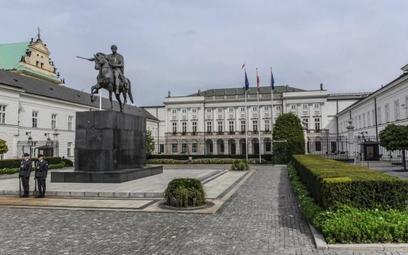"""Więzienie w zawieszeniu za kradzież """"Gęsiarki"""" z Kancelarii Prezydenta"""