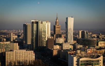 Widok na panoramę Warszawy z budowanego Warsaw Spire