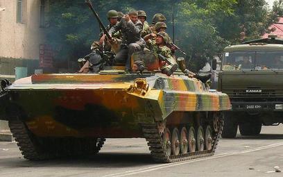 Wojskowy patrol w Osz