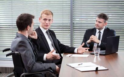 Decyzja o zwolnieniu pracownika nie wymaga głosów całego zarządu