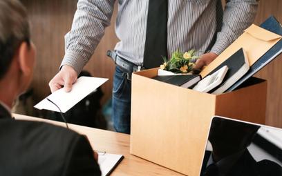 Pracownik zapłaci za bezzasadne odejście z pracy w trybie natychmiastowym