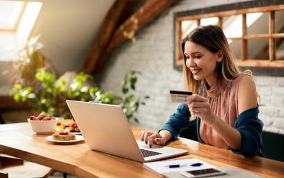 Obowiązują nowe przepisy VAT w ramach pakietu e-commerce