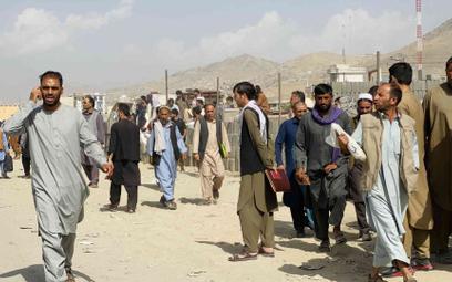 Afganistan: Rzecznik talibów zaprasza Chiny do udziału w odbudowie kraju