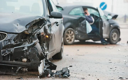 Boczne drogi nadal niebezpieczne