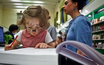 Książki prezentowane na targach cieszyły się zainteresowaniem nie tylko dorosłych, ale i dzieci