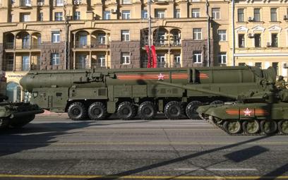 """Rosyjska rakieta strategiczna """"Jars"""" w czasie prób przed paradą zwycięstwa w 2015 r. Fot./Wikipedia/"""