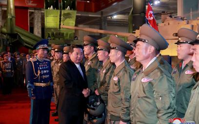 """Kim Dzong Un zapowiada stworzenie """"niezwyciężonej armii"""""""
