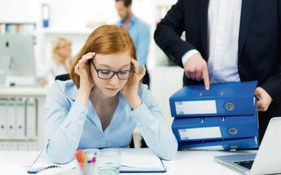 Ile szans warto dać niesfornemu pracownikowi? Odpowiedzi warto poszukać w jego postawie.