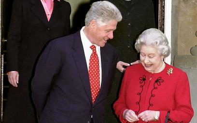 Bill Clinton wolał iść do sklepu niż wypić herbatę z królową