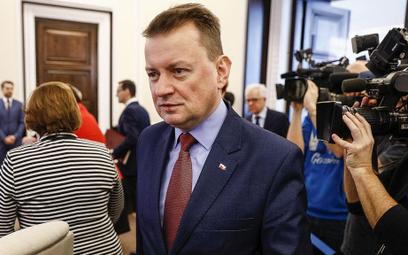 Mariusz Błaszczak: Nie można premiera stawiać obok polityków PO