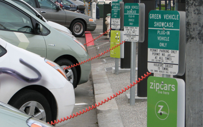 W USA powstanie tysiące nowych punktów ładowania dla aut elektrycznych