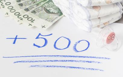 Wyższa płaca minimalna w 2019 roku a prawo do 500+