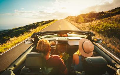 Samochodowe wakacje tylko z polisą