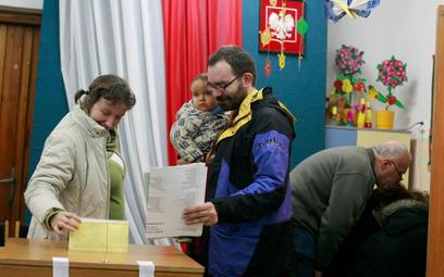 Ponad 2 tys. osób dopisano już do rejestru wyborców w stolicy