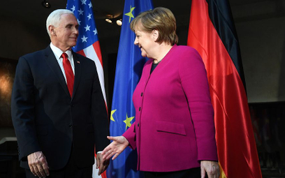 """Merkel kontra Pence. """"Nie mamy interesu w zrywaniu z Rosją"""""""