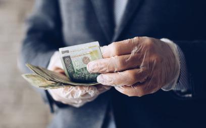 Czy nasza gotówka jest odpowiednio odkażana przez banki?