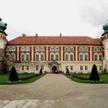 Zamek – Muzeum w Łańcucie słynie ze znakomitych wnętrz, niezwykłej kolekcji powozów oraz wspaniałego