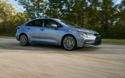 Toyota Corolla Sedan: Atrakcyjny następca Avensisa