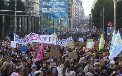 W Brukseli przeszedł największy marsz klimatyczny od czasu wybuchu pandemii